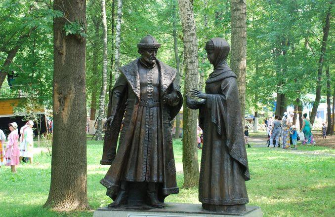 Материнство и любовь: каких женщин и за что увековечили в Нижнем Новгороде - фото 8