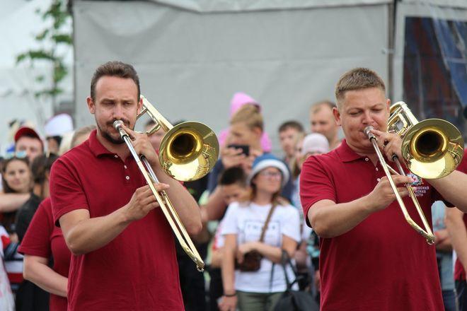 Фестивали духовых оркестров и Дружбы народов прошли в Нижнем Новгороде в День России - фото 22