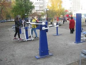 Сквер с тренажерами и скейт-парком открылся в Заволжье