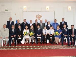 Церемония вручения государственных наград жителям Приволжья состоялась в Нижнем Новгороде