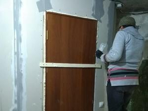 Жители поселка Ветлужский помогли отремонтировать квартиру для сирот