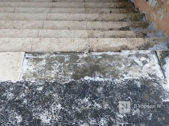 Нижегородцы пожаловались на неудовлетворительное состояние входов в подземный переход на проспекте Гагарина - фото 4