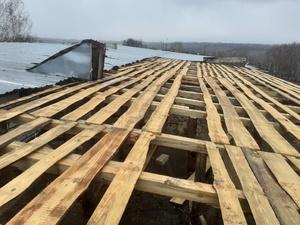 Крышу многоквартирного дома снесло в Белке Княгининского района