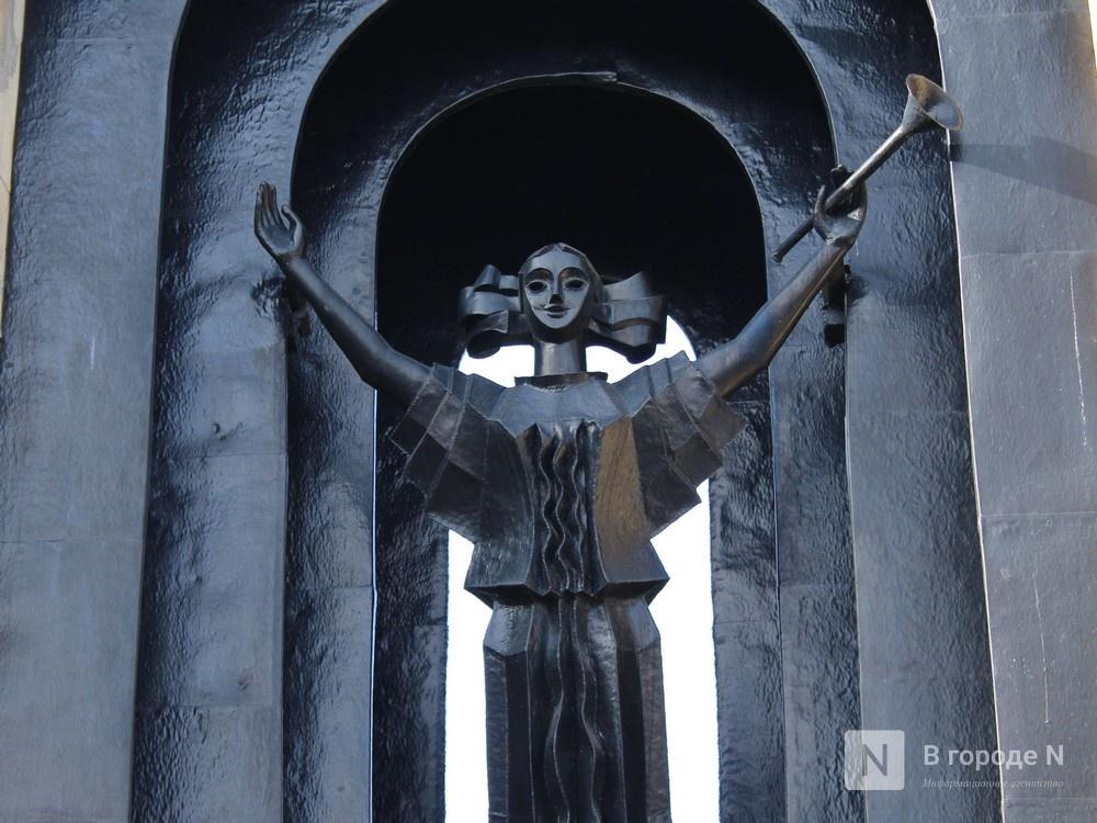 Хранители времени: самые необычные уличные часы Нижнего Новгорода - фото 14