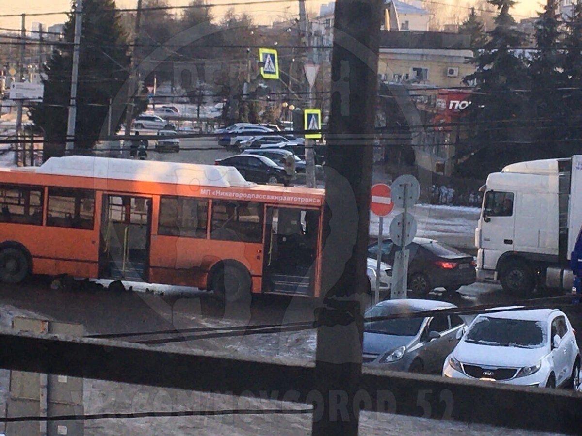 Пожилую женщину сбил насмерть автобус в Сормовском районе - фото 1