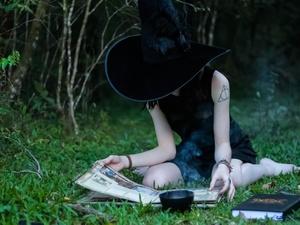 Шесть признаков, по которым вас бы назвали ведьмой в Средние века