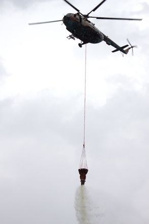 На вертолетах и квадроциклах: пожарные боролись с условным лесным возгоранием под Дзержинском - фото 3