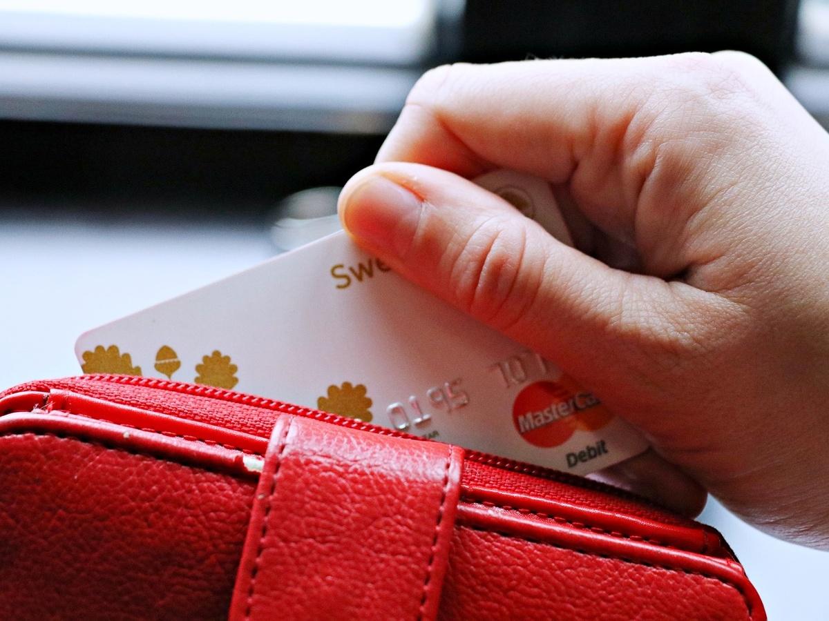 Нижегородская студентка перевела мошенникам 400 тысяч рублей - фото 1
