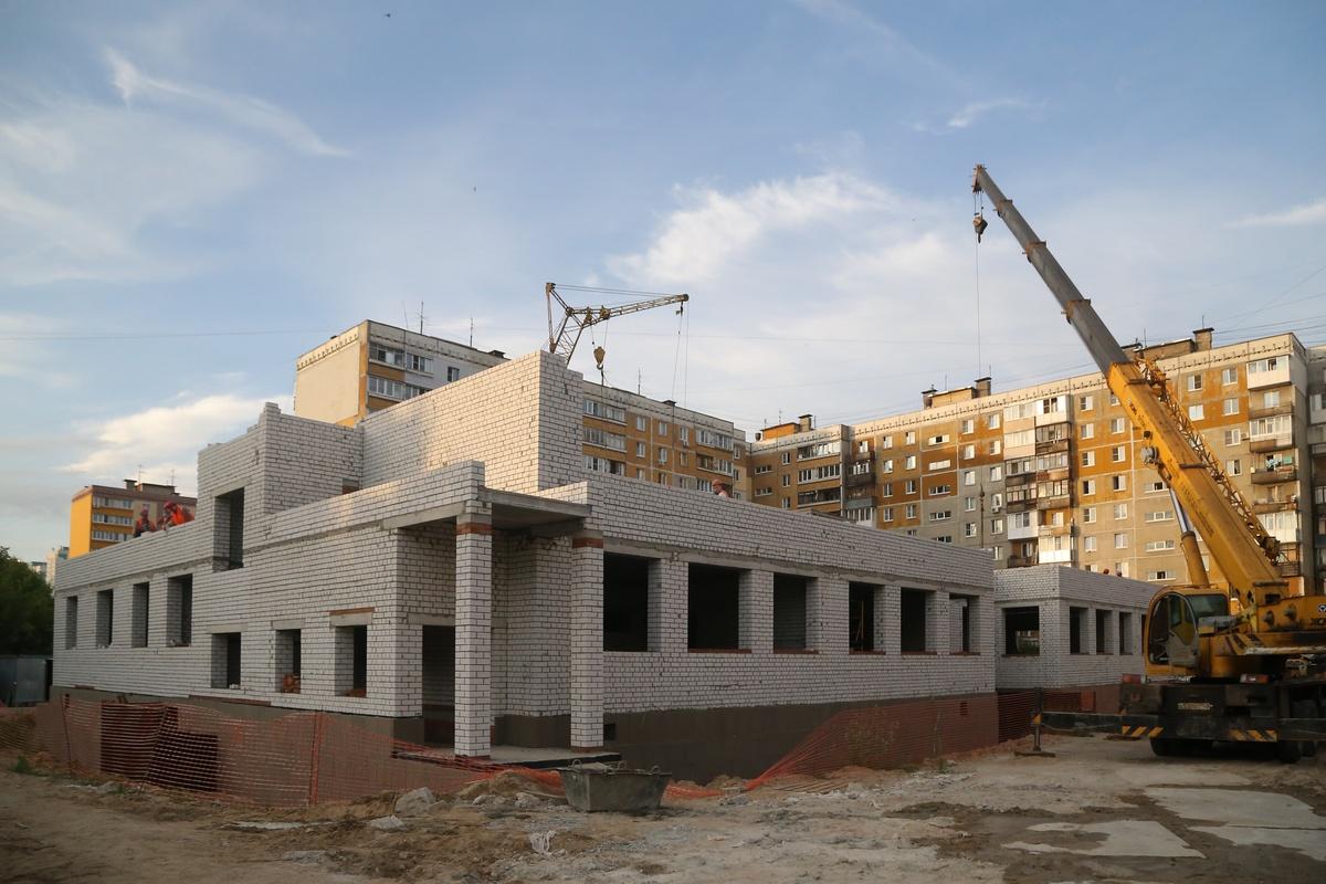 Контракт расторгнут с подрядчиком, сорвавшим сроки строительства детсада в Нижнем Новгороде - фото 1