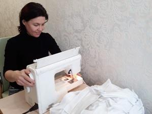 Шитьем защитных масок для волонтеров занялись участницы конкурса «Миссис Нижний Новгород»