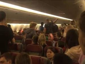 Самолет с нижегородцами на борту совершил экстренную посадку в Ташкенте из-за пьяного дебошира
