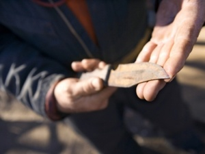 Нижегородский пенсионер не смог уговорить сына купить алкоголь и ударил его ножом