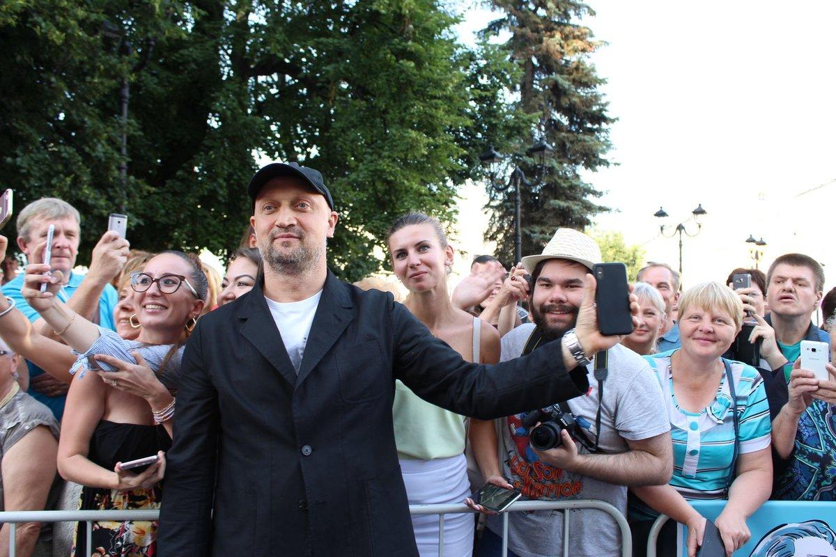 Автографы от звезд и награждение победителей: в Нижнем Новгороде завершился «Горький fest» - фото 3