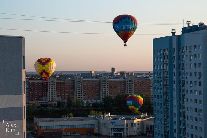 Вереница воздушных шаров проплыла в считанных метрах от окон жителей Канавинского района - фото 5