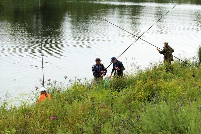 Три вида ухи и лодка в подарок: в Нижнем Новгороде стартовал фестиваль рыбалки - фото 30