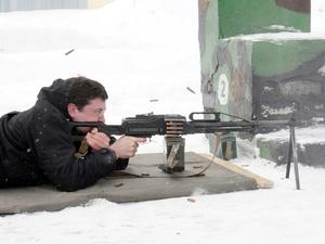 Глеб Никитин выполнил нормативы по огневой подготовке в Богородске